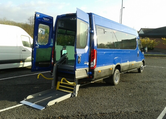 166b2b2101 Iveco Daily Flat Floor Seating Layout.